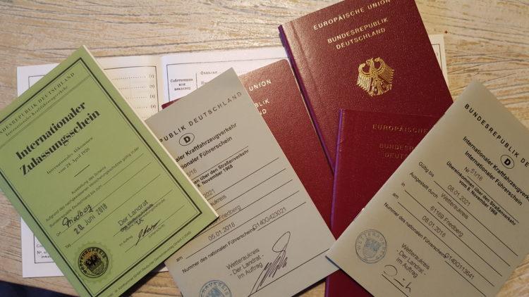 Pass, Ausweis, Führerschein